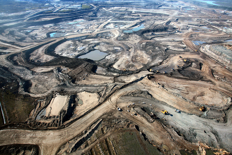 Fort-McMurray_Alberta_oilsands